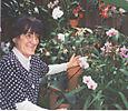 Joyce_with_flowers