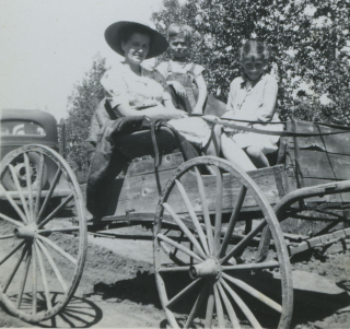 Mom Joyce & Dale in Buggy 2 cu