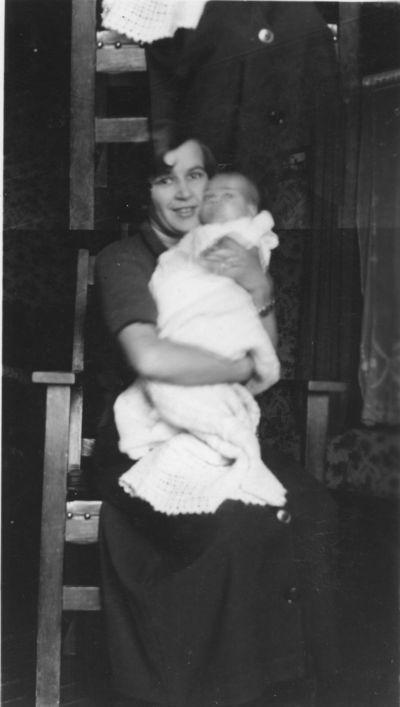 Mom & baby Joyce original